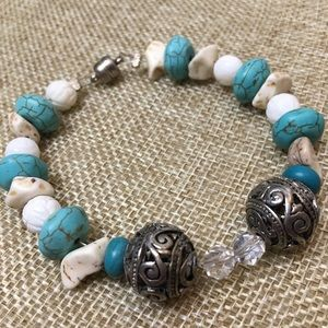 Natural stone bracelet with magnetic closure